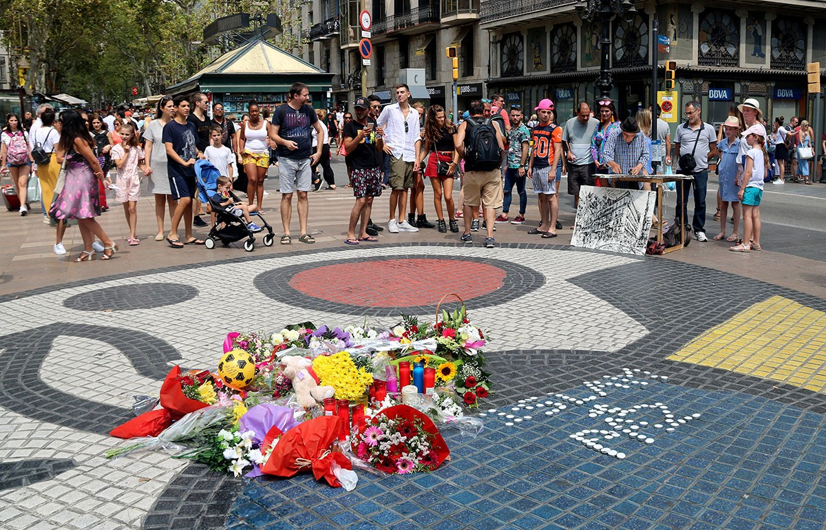 Memorial en record de les víctimes del 17-A