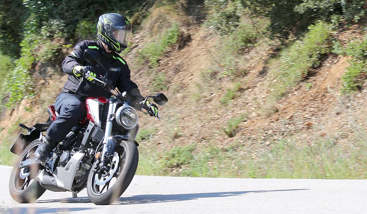La Honda CB125R , és feta a imatge i semblança de la CB1000R.