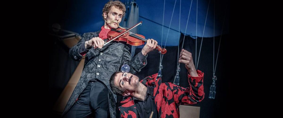 «Dékoncert» és un espectacle que combina circ i música