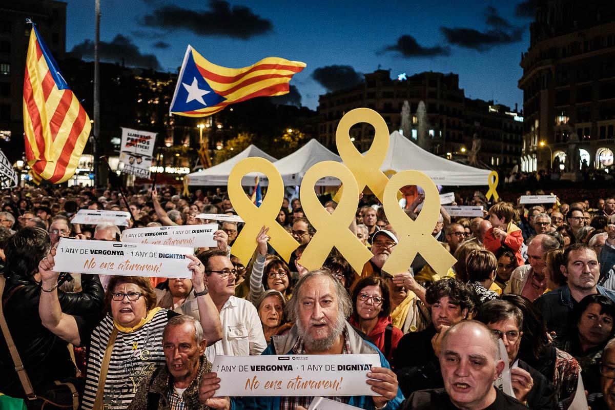 Manifestació independentista a Barcelona per demanar la llibertat dels presos.