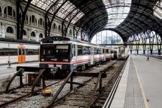 Ferit crític un usuari de Rodalies en ser arrossegat per un tren a l'Estació de França
