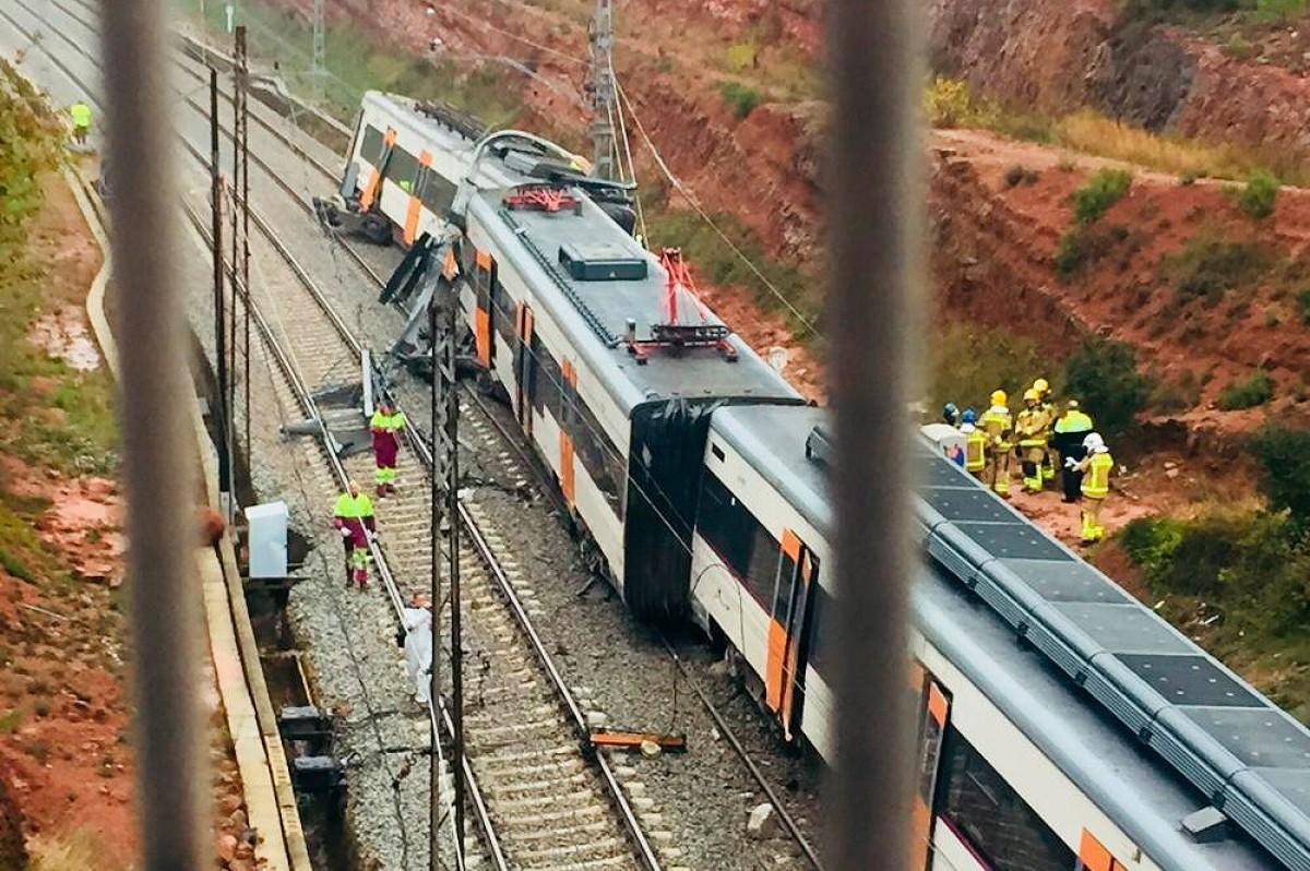 Imatges del comboi accidentat