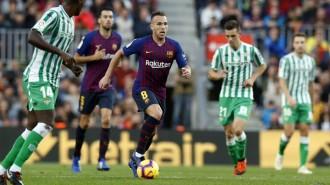 Un Barça gris perd contra el Betis en el retorn de Messi (3-4)