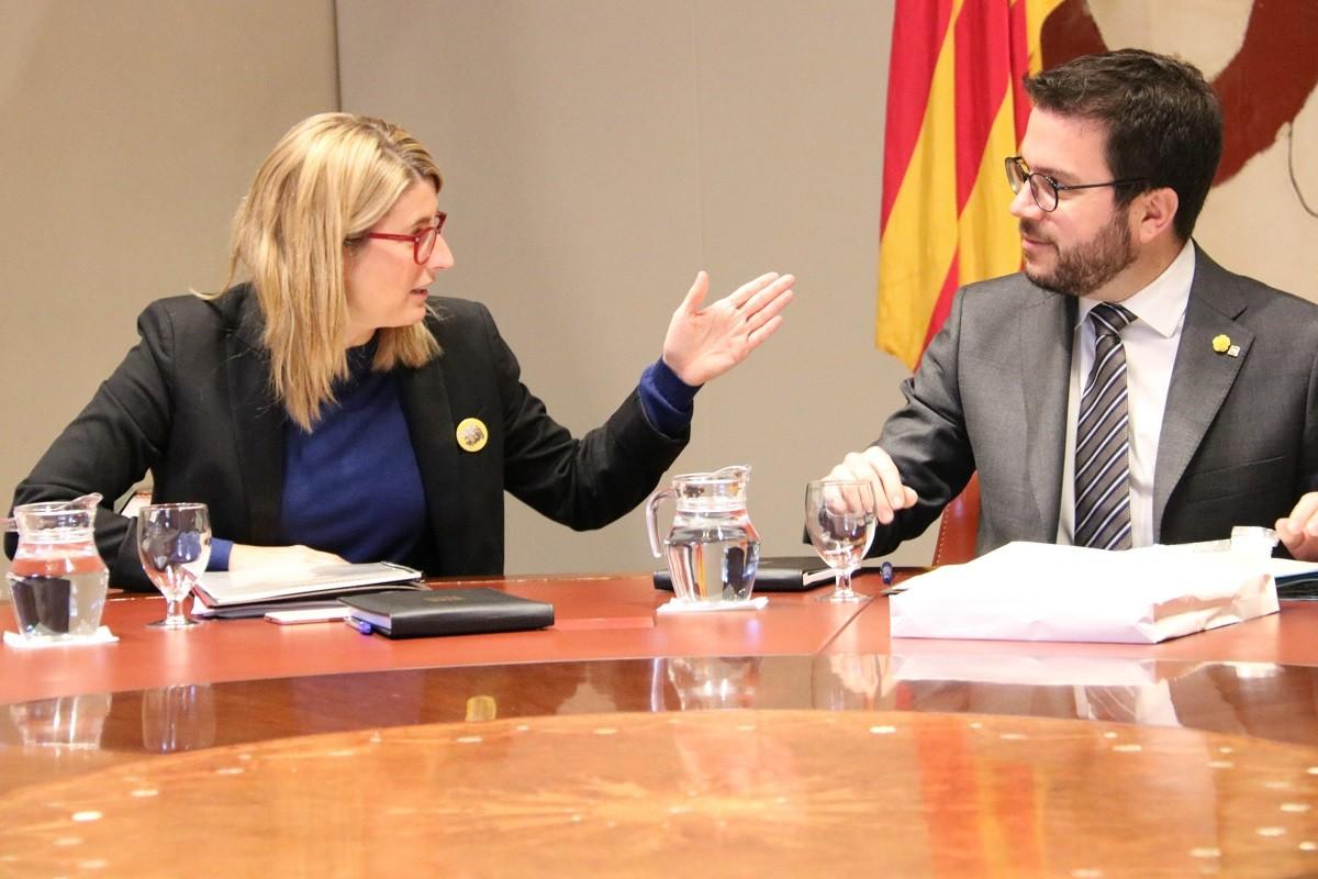 Elsa Artadi i Pere Aragonès, durant una reunió del Govern.