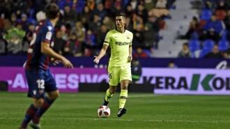 El Barça rellisca contra el Llevant però manté viva l'eliminatòria (2-1)