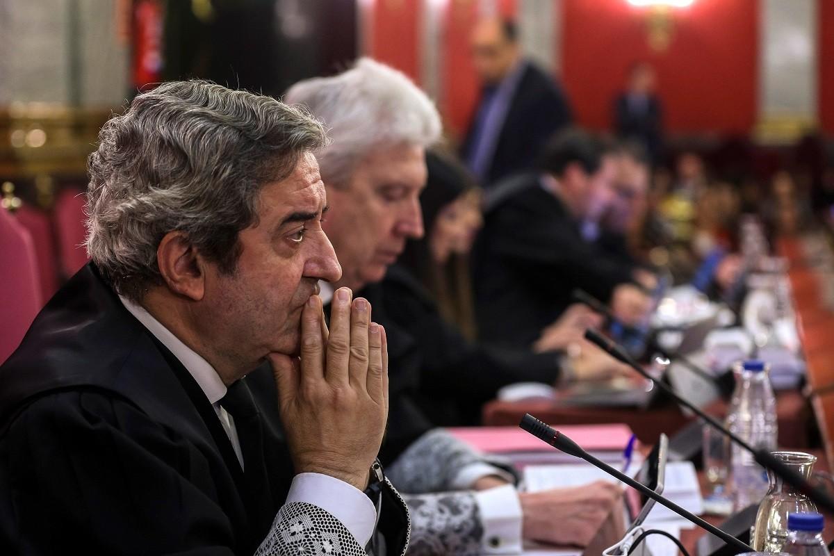 Els fiscals Javier Zaragoza i Fidel Cadena, en les primeres jornades del judici de l'1-O