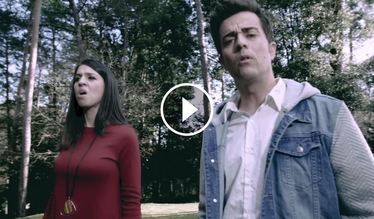 Fotograma del videoclip de Mario Muñoz amb Gemma Humet