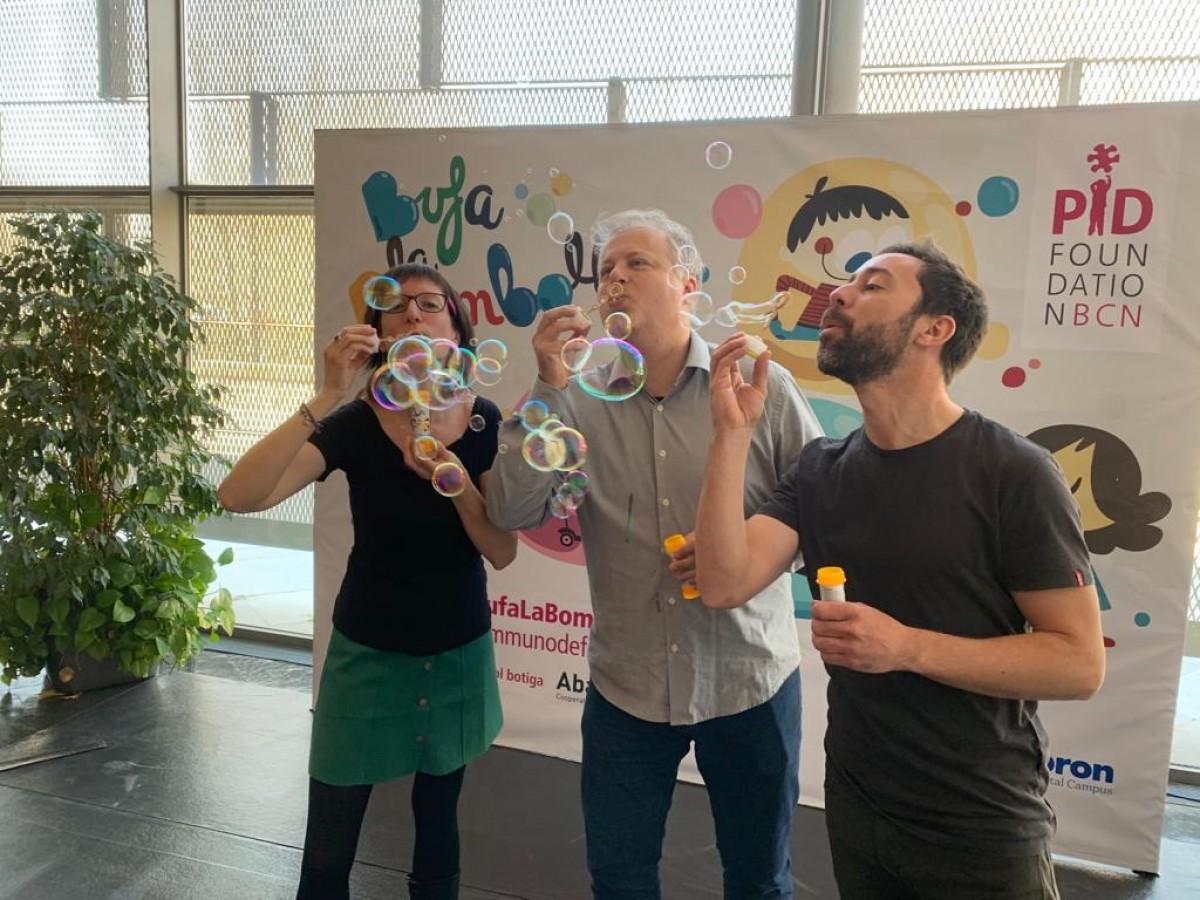 Lluís Gendrau amb Bufa la Bombolla durant els Premis Enderrock 2019