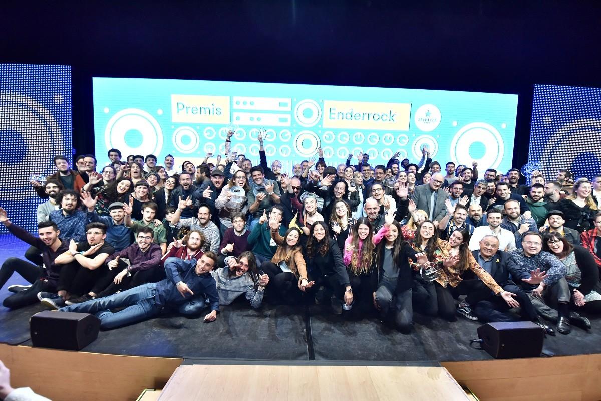 Foto de família dels Premis Enderrock 2019