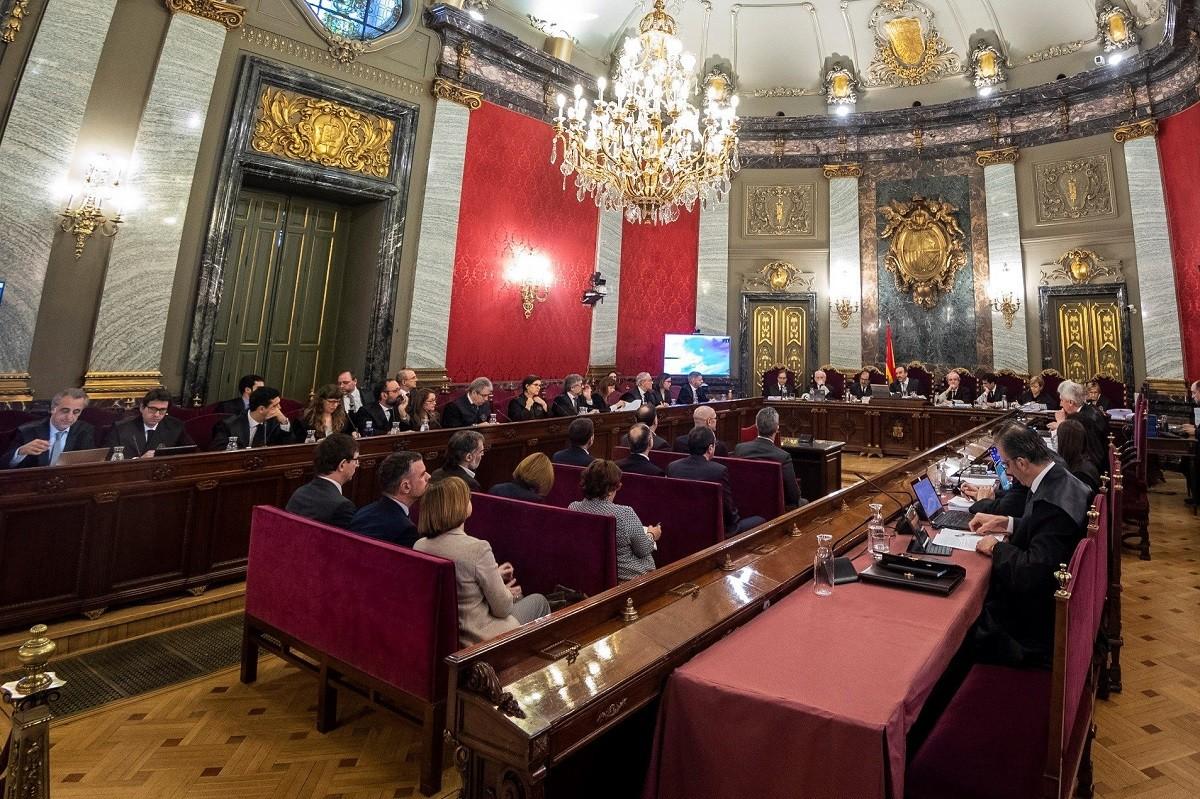 La primera sessió del judici de l'1-O al Tribunal Suprem