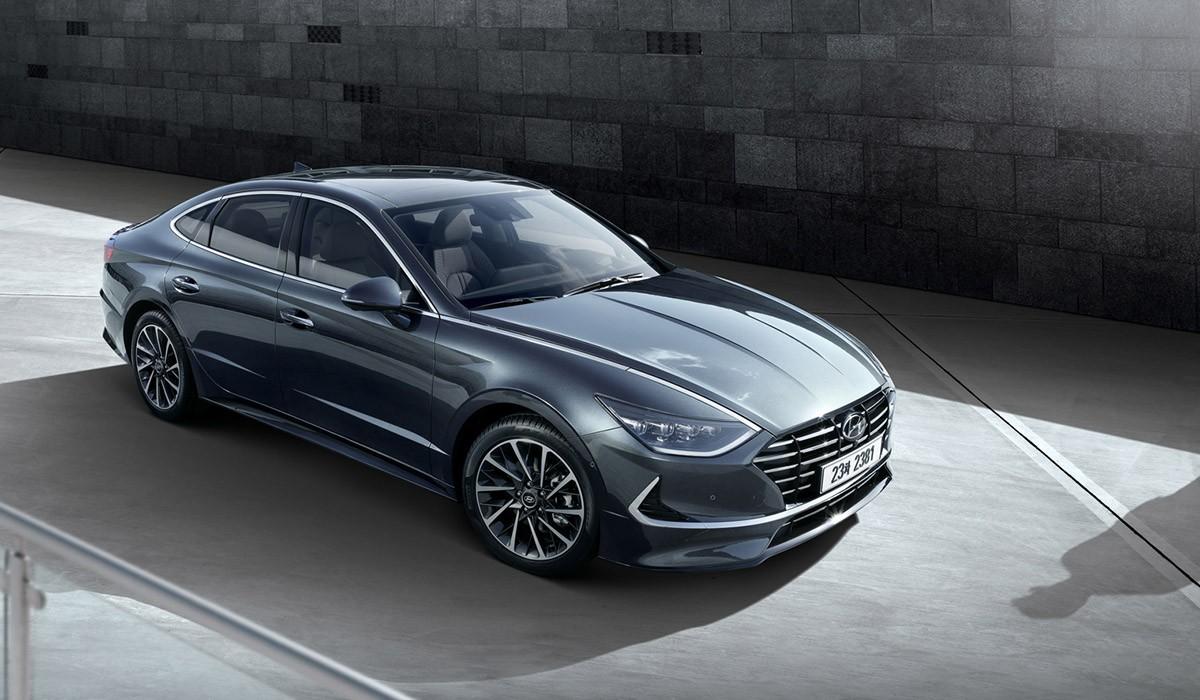 El Sonata de vuitena generació incorpora el concepte de disseny \'Sensuous Sportiness\' de Hyundai.