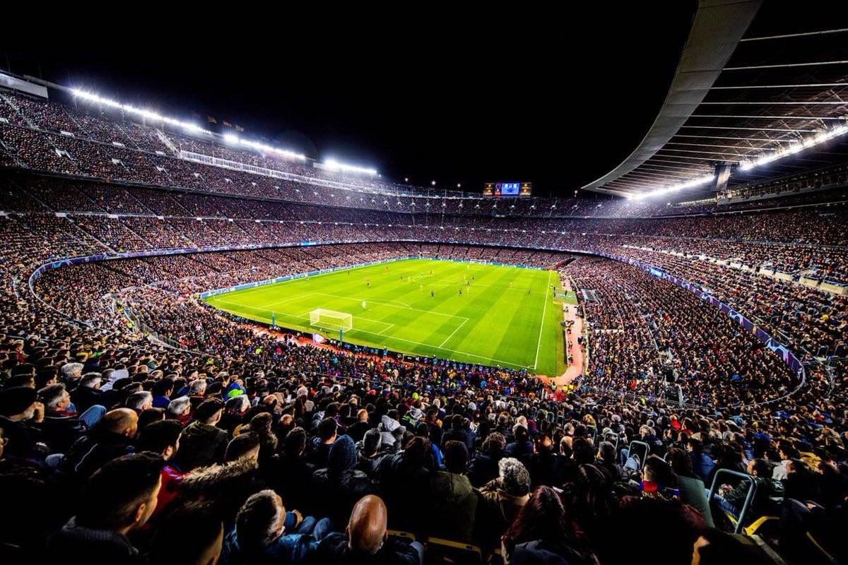 Els aficionats podran tornar als estadis a la temporada 2021-22
