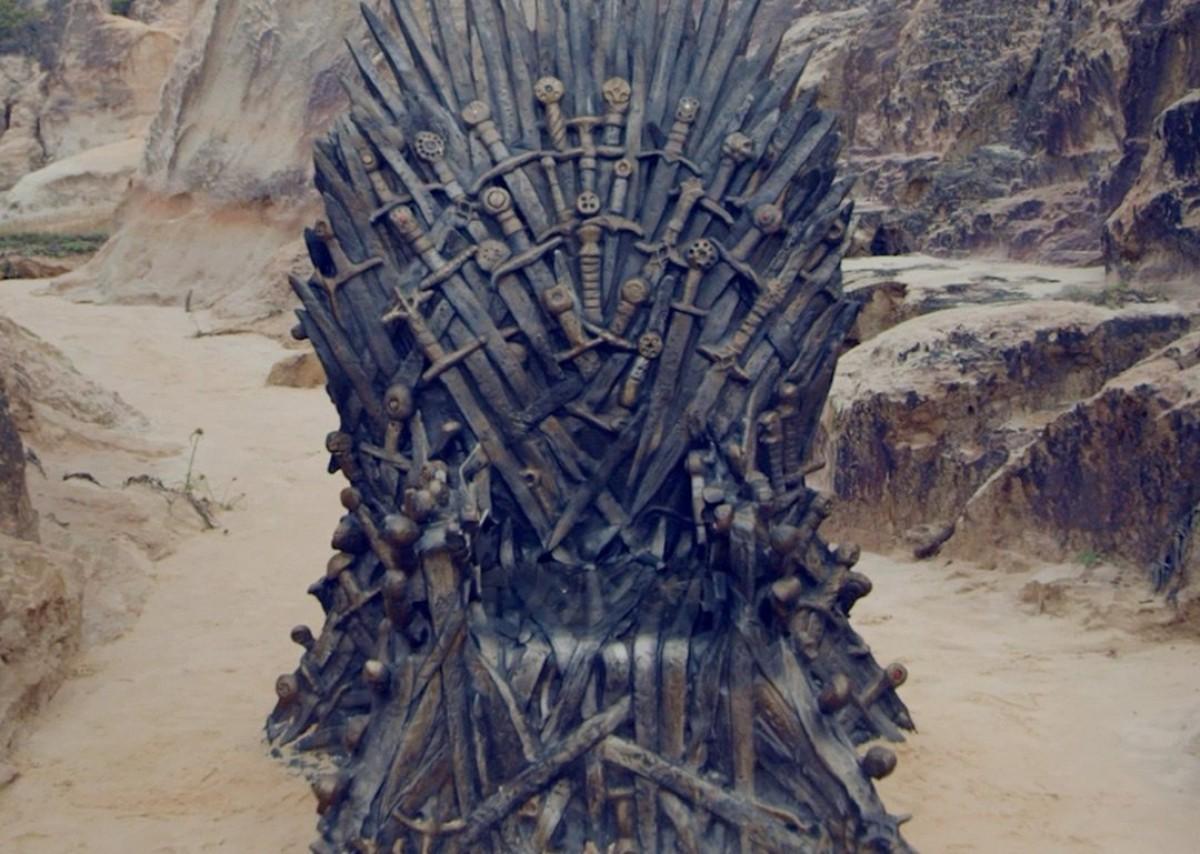 Imatge d'un dels trons de ferro que s'han repartit pel món