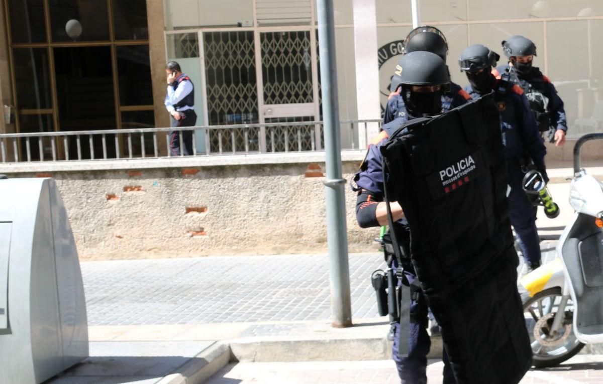 Alts càrrecs dels Mossos asseguren no reconèixer la veu dels agents presents en l'atac racista al Bages