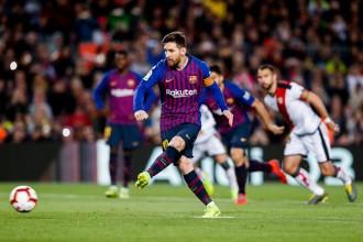 El Barça remunta al Rayo Vallecano i es manté líder en solitari (3-1)