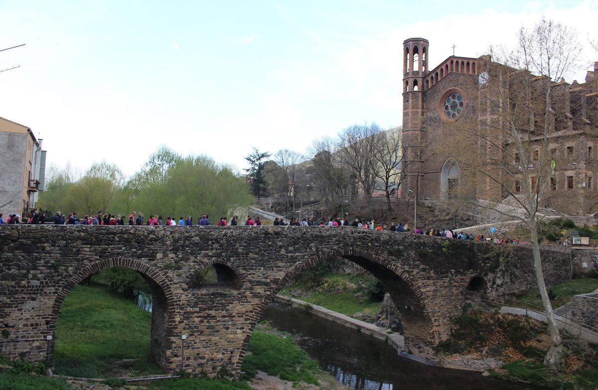 Enguany la cursa no travessarà el pont medieval i caldrà fer-la virtualment a prop de casa.