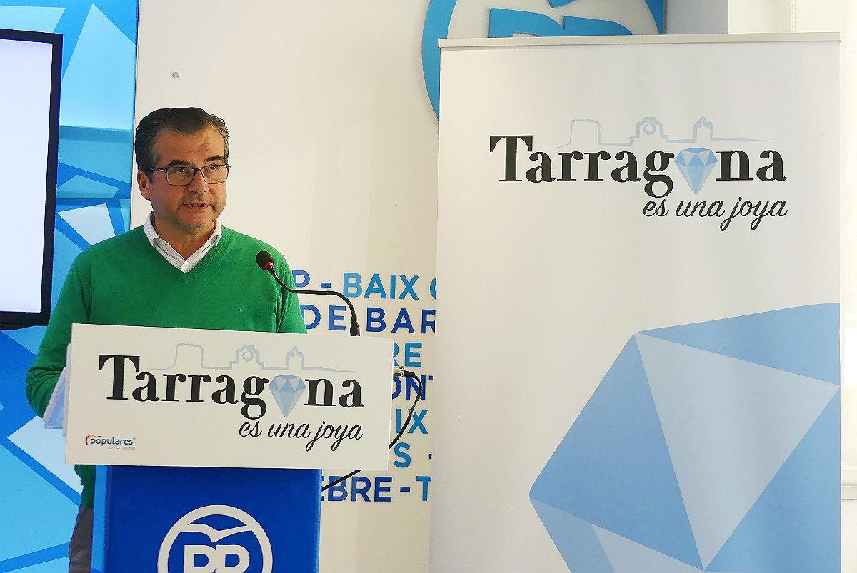 José Luis Martín, alcaldable del PP Tarragona, en roda de premsa.