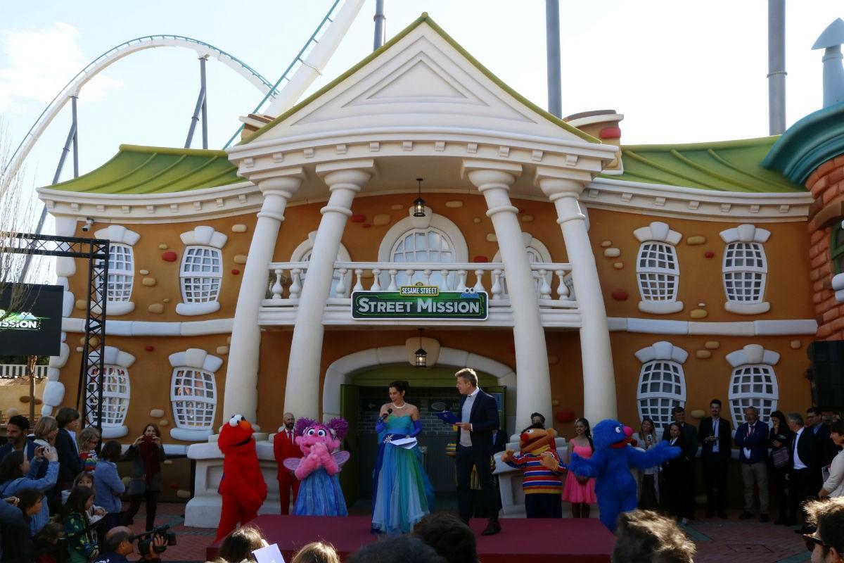 L'edifici de Street Mission, la nova atracció de PortAventura, durant la inauguració.