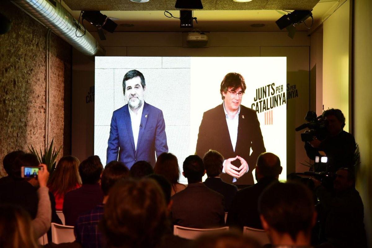 Carles Puigdemont i Jordi Sànchez, en una trobada virtual.