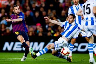 Lenglet i Jordi Alba donen la victòria al Barça contra la Reial Societat (2-1)