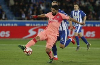 El Barça guanya a Vitòria i se situa a un pas del títol de Lliga (0-2)
