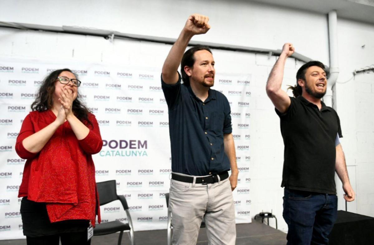 Pablo Iglesias, al costat de Noe Bail, secretària general de Podem Catalunya