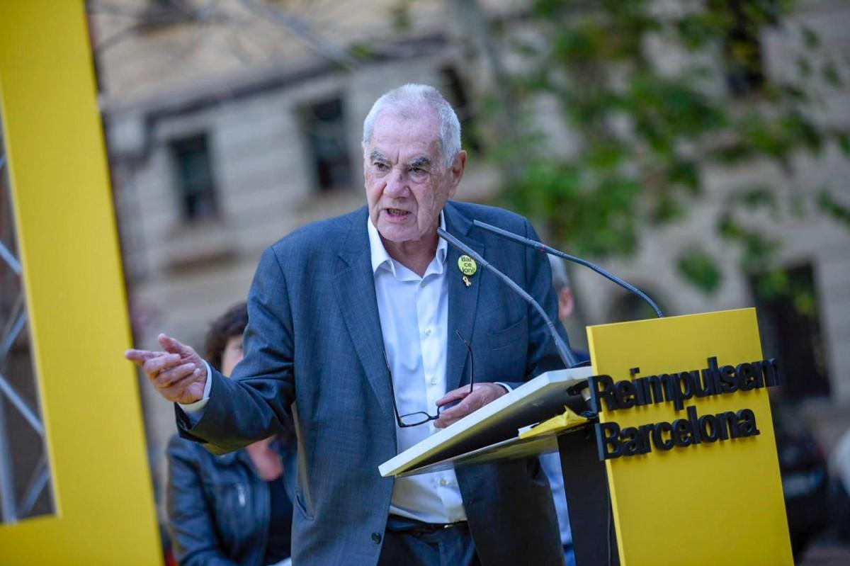 Ernest Maragall, en un míting de la Barceloneta