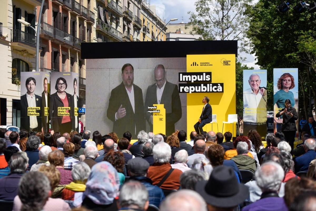 Oriol Junqueras i Raül Romeva, en l'acte central d'ERC al mercat de Sant Antoni
