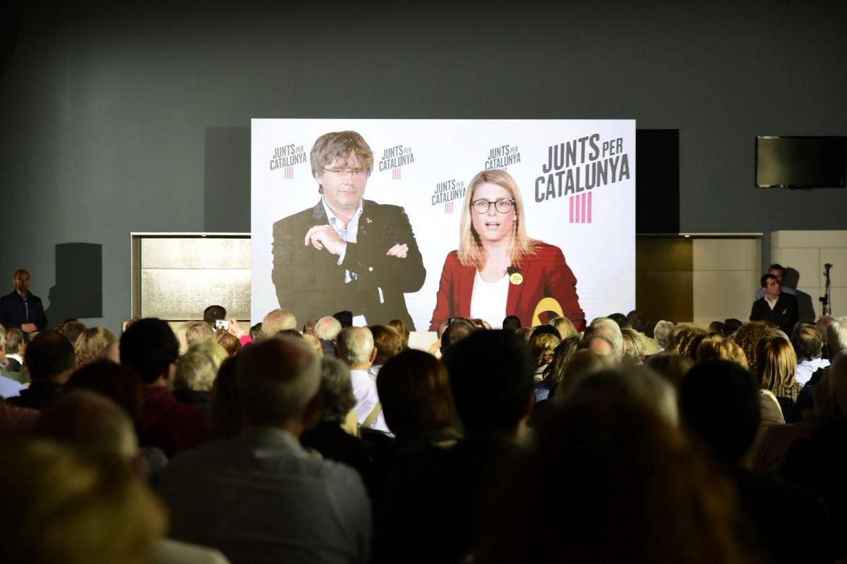 Carles Puigdemont i Elsa Artadi, aquest diumenge al míting central de JxCat