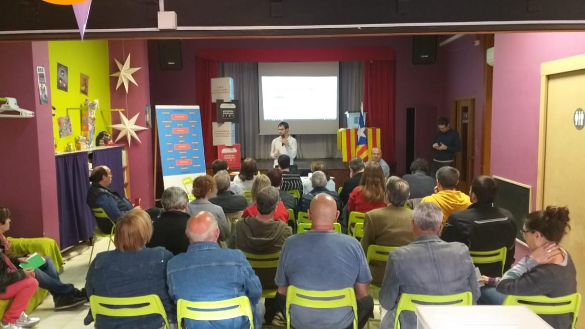 Presentació del programa de Primàries en assemblea