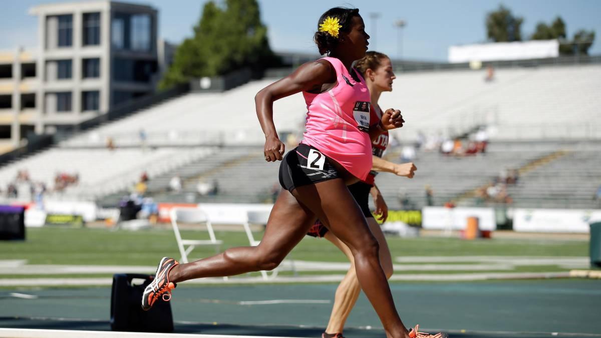 L'atleta competeix embarassada per denunciar la marginació de les dones