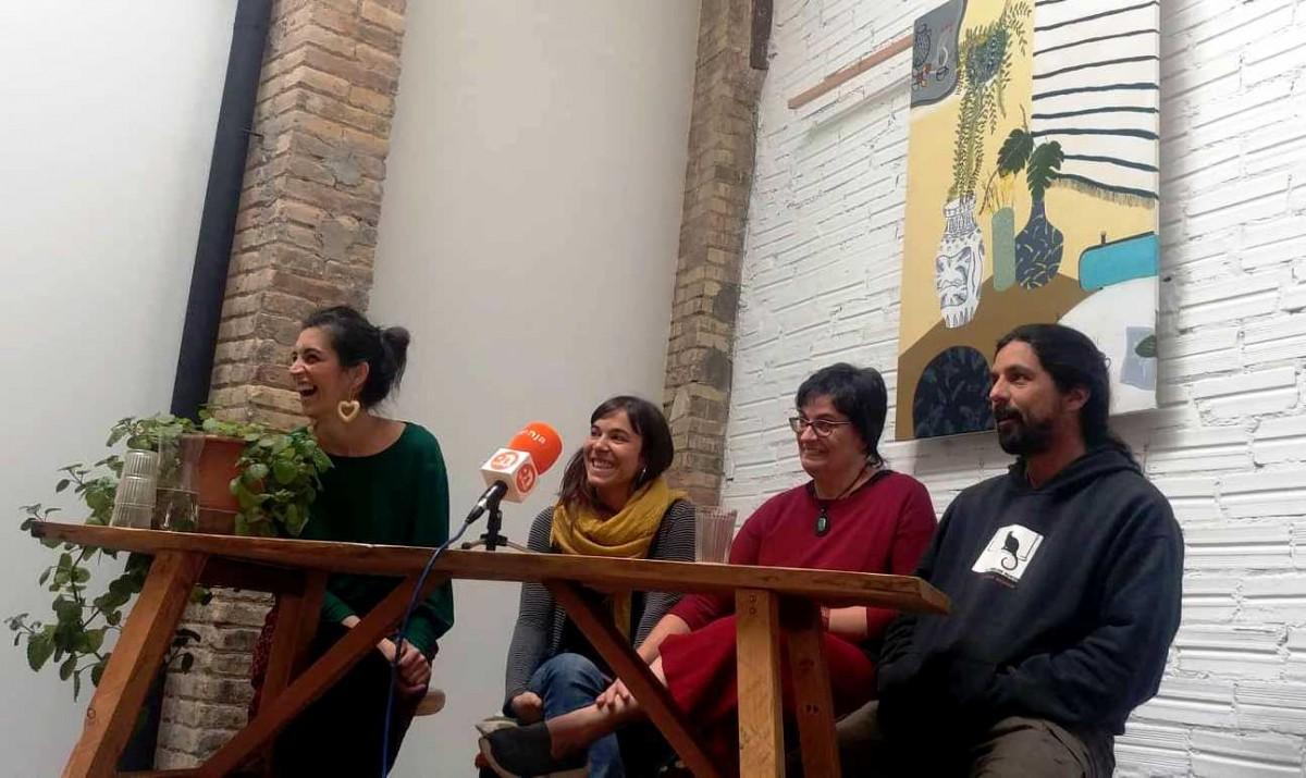 Margara Conde, Laura Escalé, Elisabet Duocastella i Francesc Rota, del grup impulsor del supermercat cooperatiu de Manresa