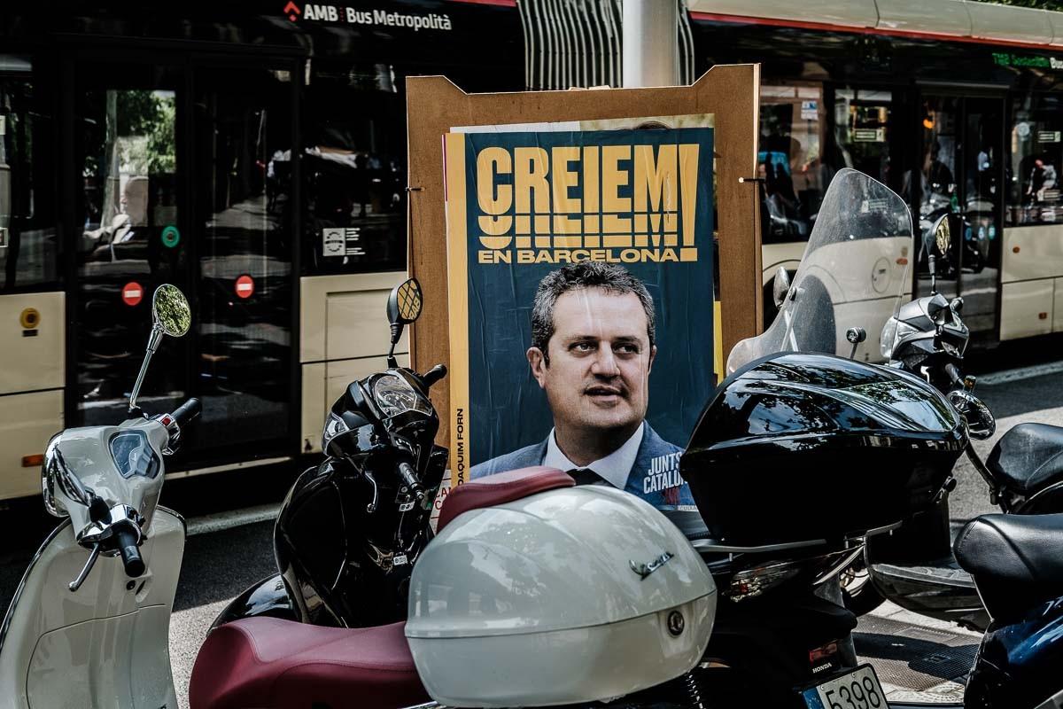 Un cartell amb la foto de Joaquim Forn