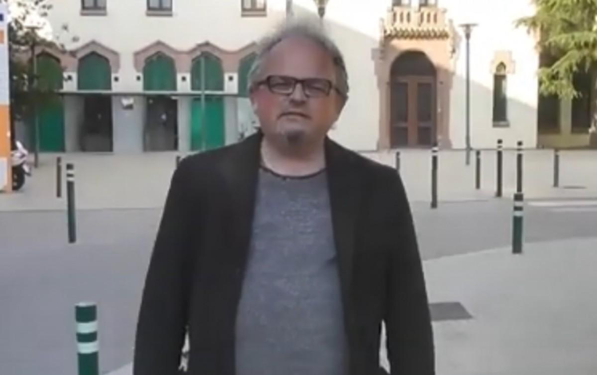Josep Miquel Acedo, davant de l'Hospital de Granollers