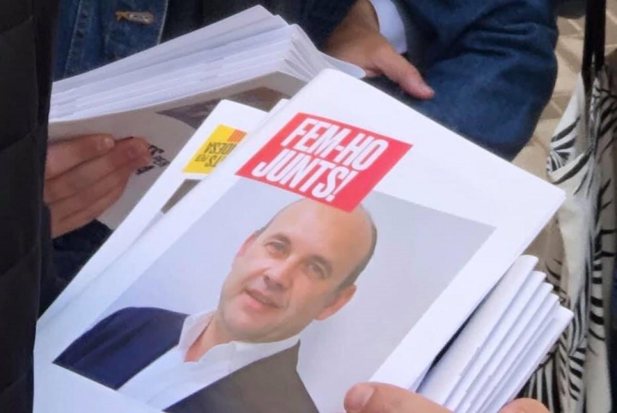 La imatge de Carles Luz al programa electoral de Junts per Gandesa.