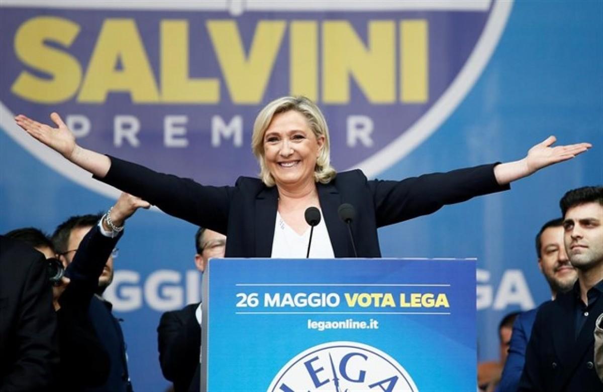 Marine Le Pen en un acte de la Lliga Nord de Matteo Salvini.