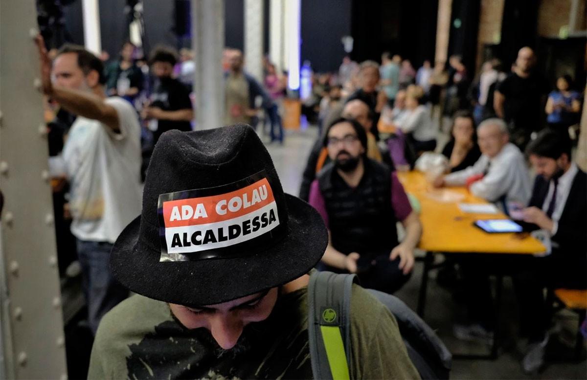 Un simpatitzant de Barcelona en Comú a la Fabra i Coats