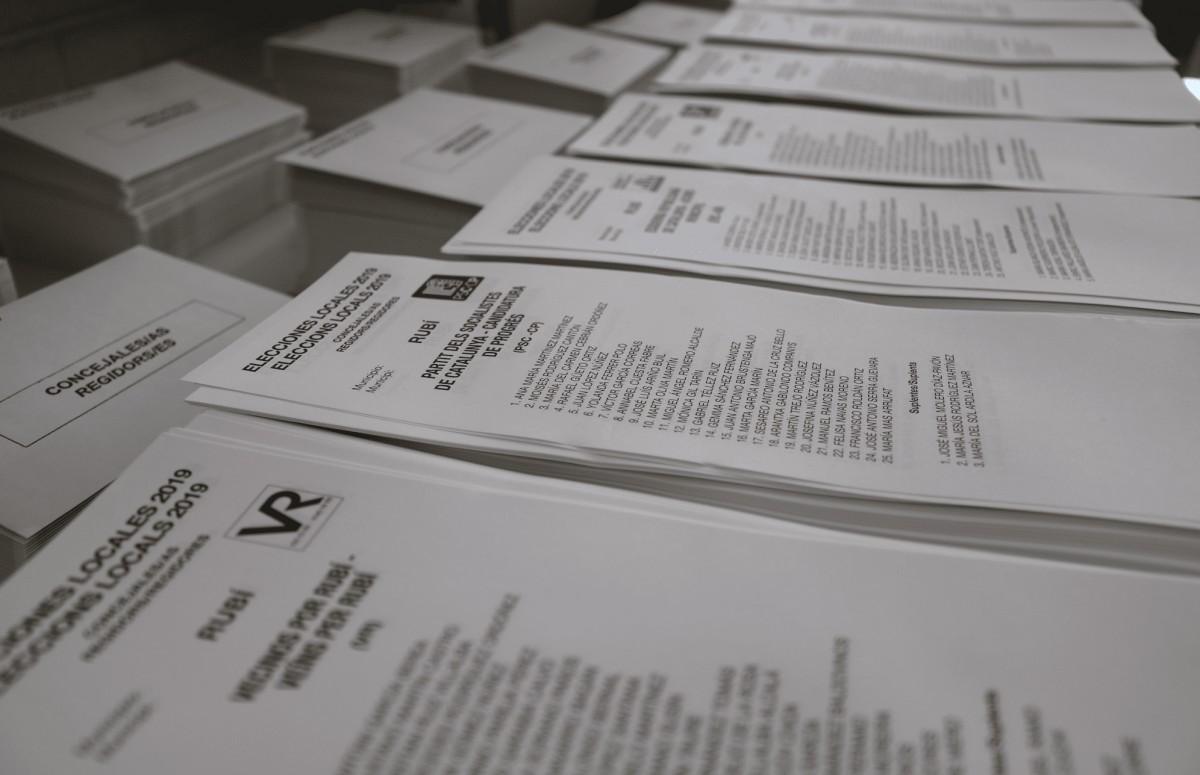 Paperetes de les eleccions municipals a Rubí