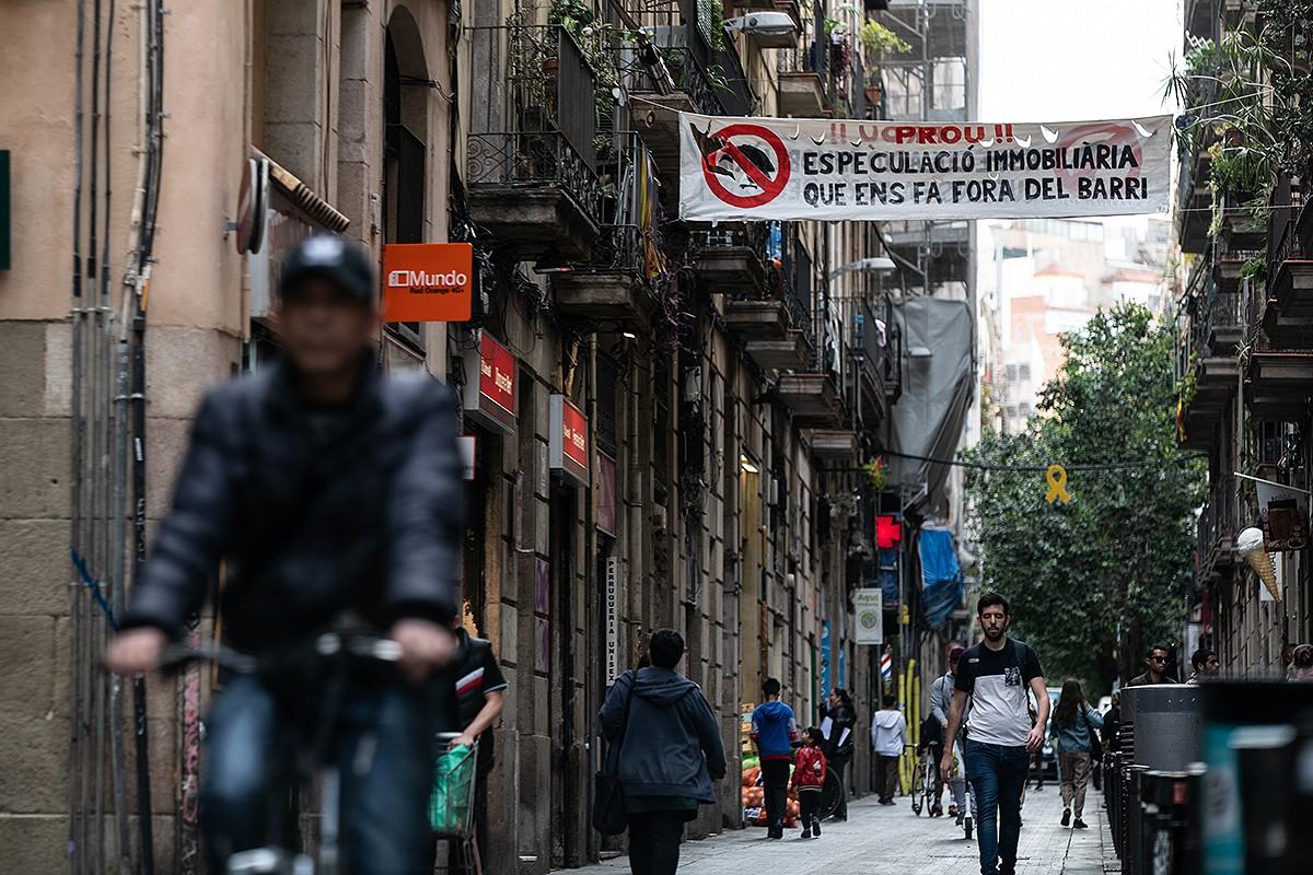 Els treballadors dels serveis socials del Rava alerten de les conseqüències de la crisi al barri