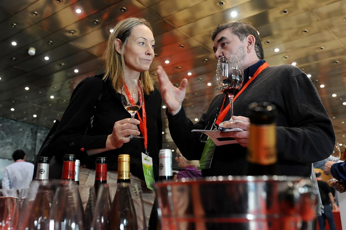 Anna Vicens, presidenta de l'Associació Catalana de Sommeliers amb Toni Bru, sommelier i propietari del restaurant El Celler de l'Aspic de Falset