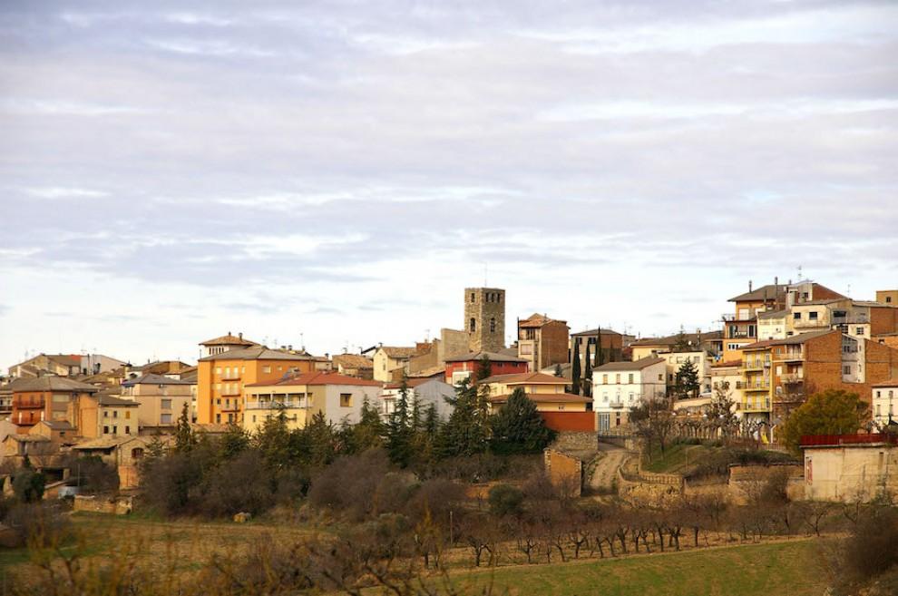 Imatge general del poble d'Isona