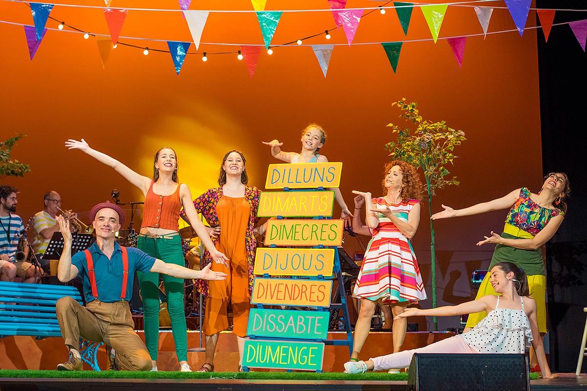 Dàmaris Gelabert presenta «Comença l'estiu, el musical»