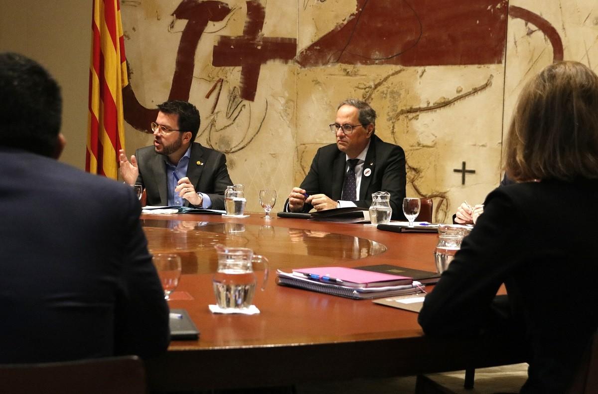El president Quim Torra i el vicepresident Pere Aragonès, en una reunió de Govern