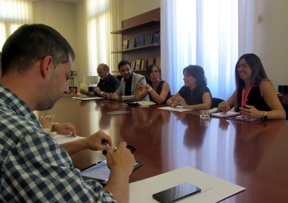 La primera reunió del govern municipal