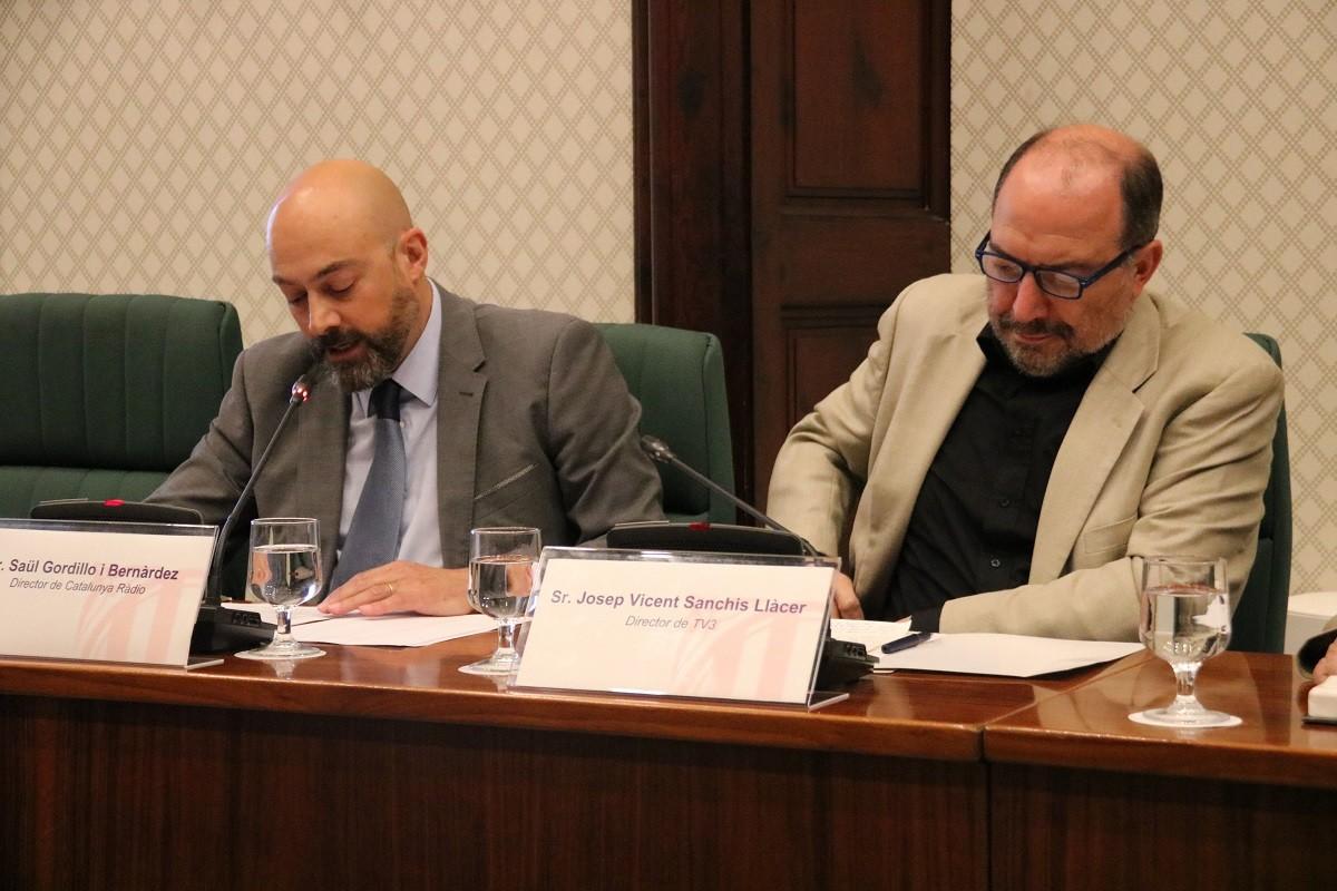 Els directors de Catalunya Ràdio i TV3, Saül Gordillo i Vicent Sanchis, en comissió parlamentària.