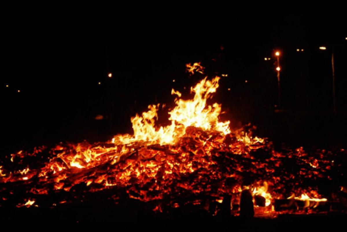 Una foguera de Sant Joan a Granollers