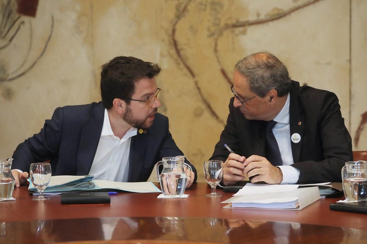 Quim Torra i Pere Aragonès, a  una reunió del Govern