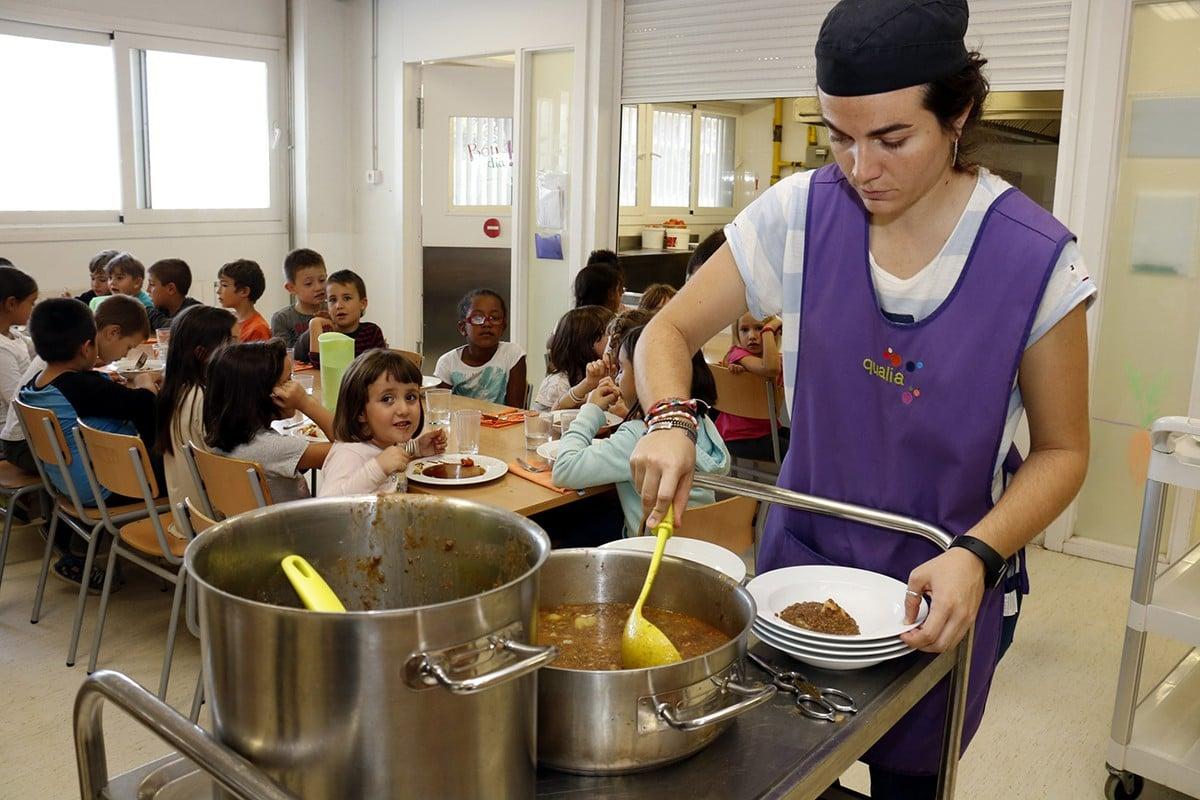 Mainada en un menjador escolar