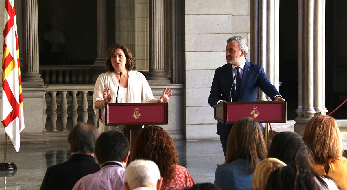 Colau i Collboni,  anunciant el nou govern municipal