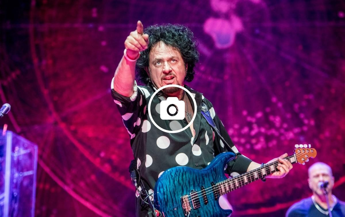 Steve Lukather (Toto) durant el concert a l'Auditori Fòrum